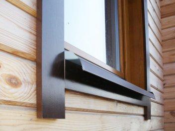 Наличники на окна в деревянном доме: устройство, монтаж