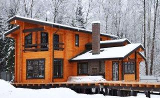 Пластиковые окна в деревянный дом. Установка пластиковых окон в