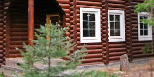 Установка пластиковых окон в дом из бревна - smotri-balkony.ru